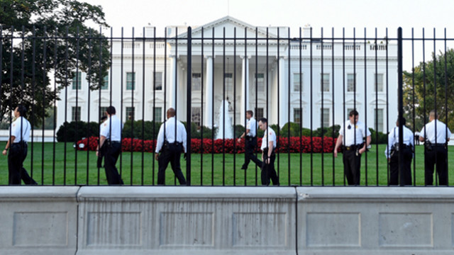 White House Intruder Got Past Front Door