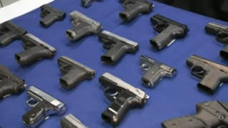 Prosecutor: Guns Smuggled Aboard US Airliners