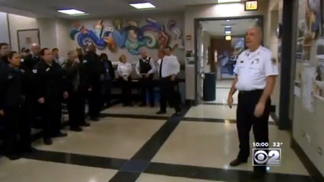 Shot Chicago Police Captain Returns to Duty