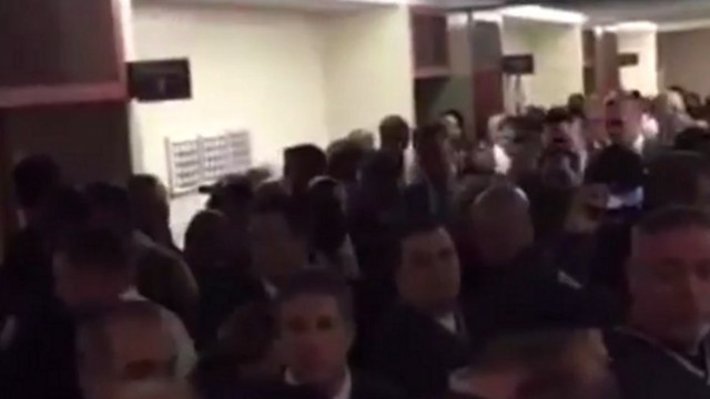 NYPD Officers Turn Their Backs on Mayor