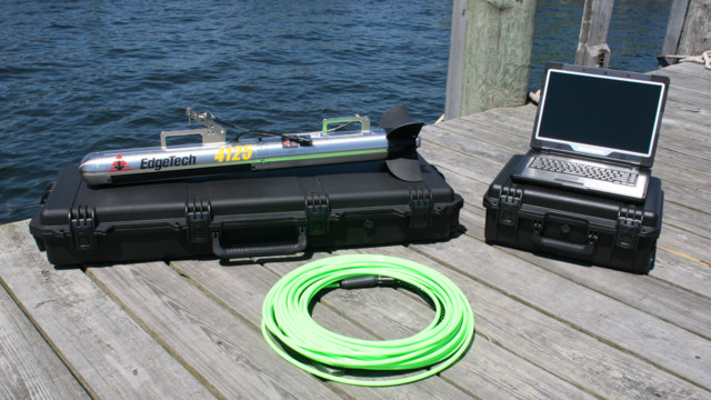 4125 Side Scan Sonar System with Magnetometer Interface