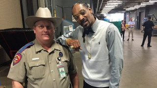 Trooper Reprimanded for Snoop Dogg Pic Sues