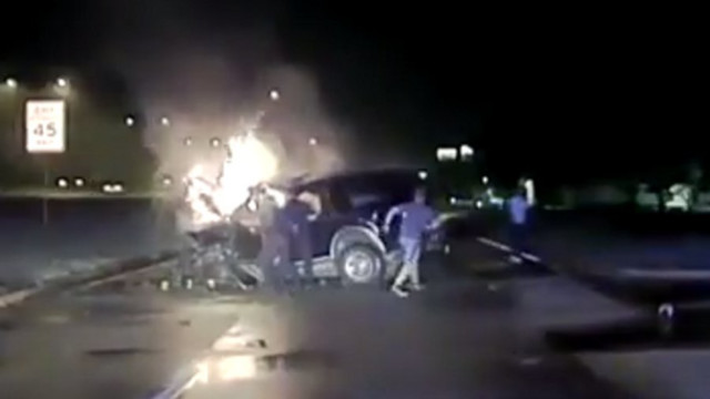 Texas Cops Rescue Driver From Burning SUV