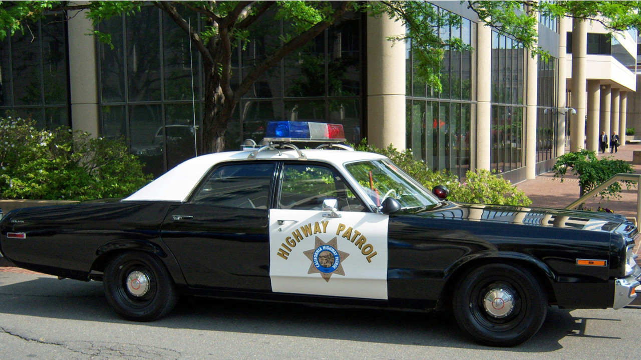 how to buy old police cars
