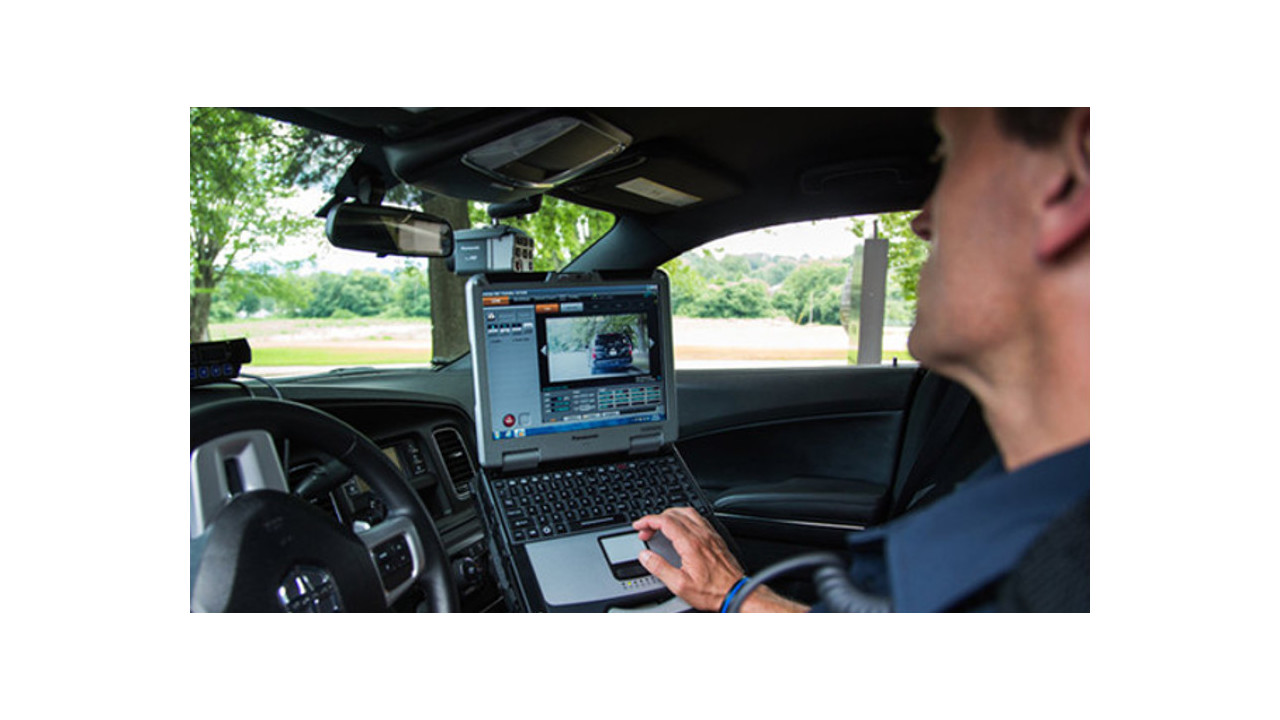 the failures of law enforcement to keep up with technology Law enforcement and forensics investigators have struggled to effectively manage digital evidence obtained from mobile devices some of the reasons include: mobile devices require specialized interface, storage media and hardware.