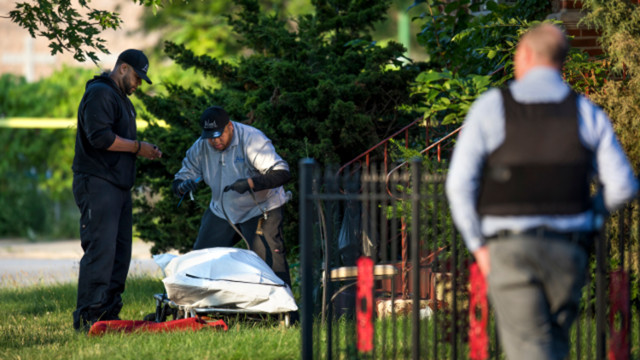 15 dead, more than 100 shot in Chicago over holiday weekend