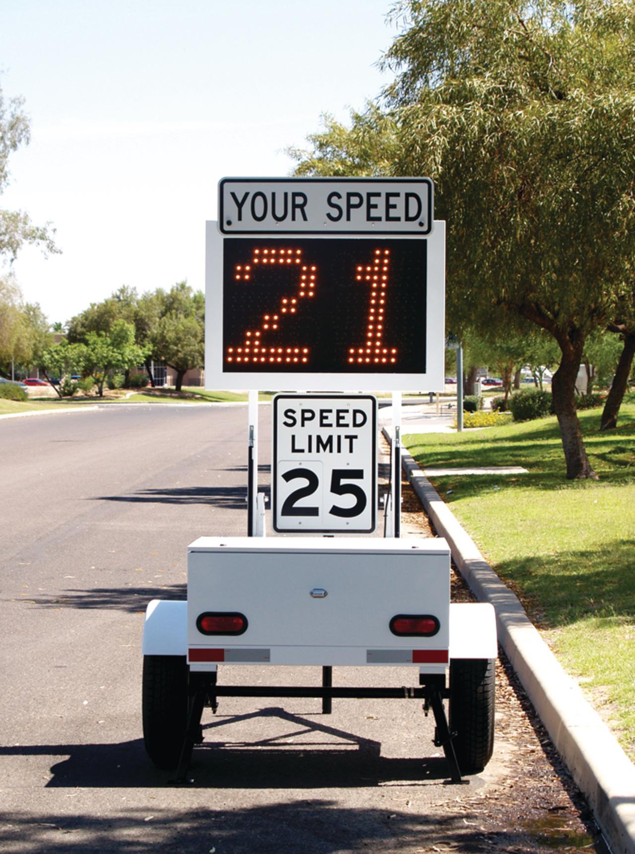 Kustom Signals Inc  SMART 850 Speed Trailer in Traffic