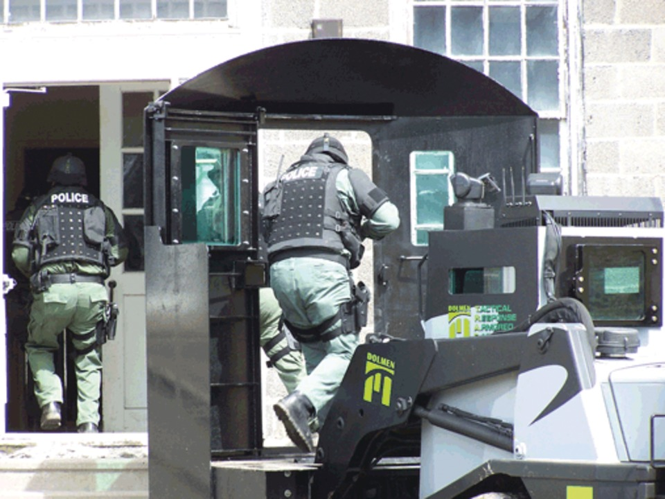 Dolmen Corp Tactical Response Armored Car In Swat