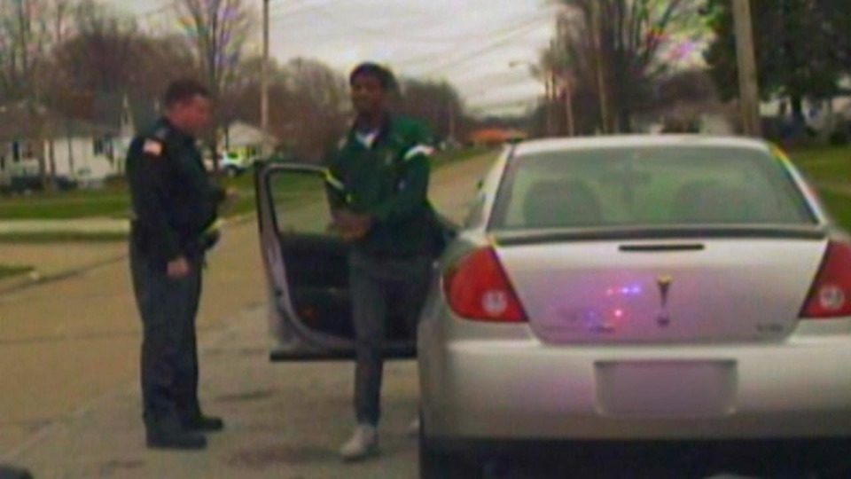 Officer Fired After Pulling Over Daughter S Boyfriend S Car