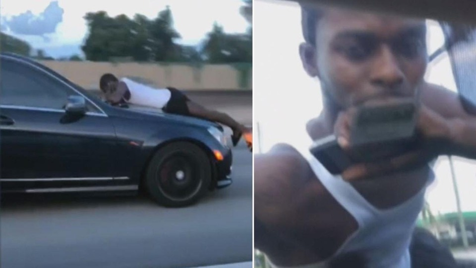 911 Call Of Man Clinging To Car Hood Someone S Trying To