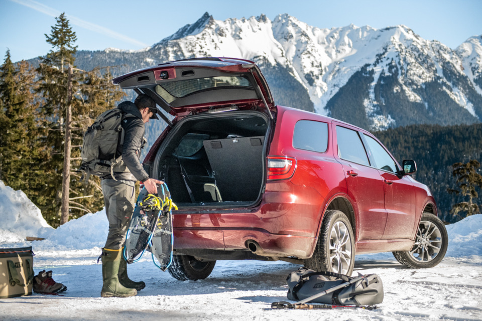 Suvseries Baseline Floorvault Dodgedurango Snowshoeing Lowres C Ef E on 03 Dodge Durango