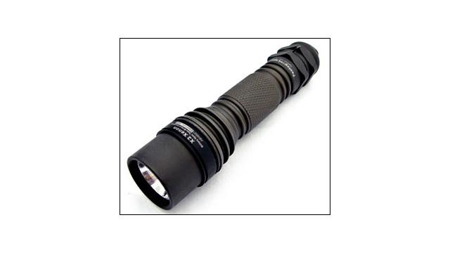 tacticalhandheldlights_10249991.jpg