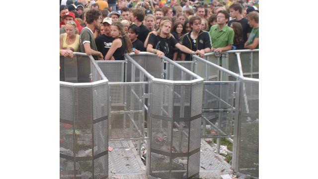 crowdcontrolbarriers_10045098.tif