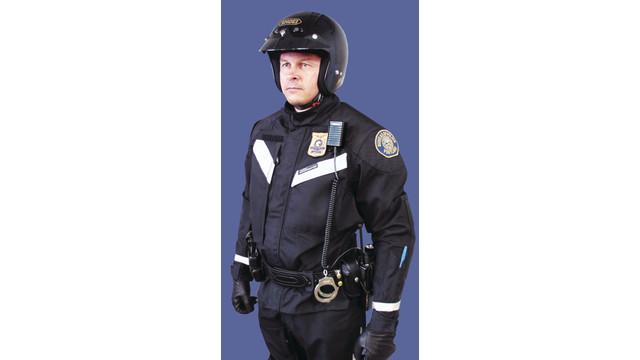 policeroadcraftertwopiecesuit_10040761.tif