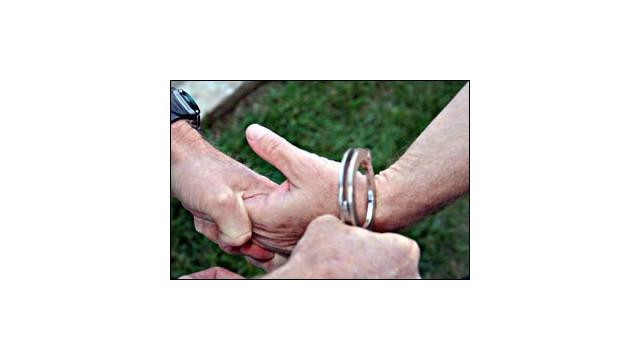 hookingup_10249596.jpg