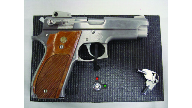 pistolpad1_10218330.jpg