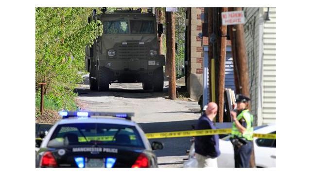 policestandoff2_10263349.jpg