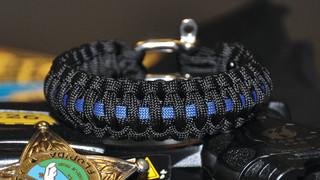 Brawny bracelets pack paracord