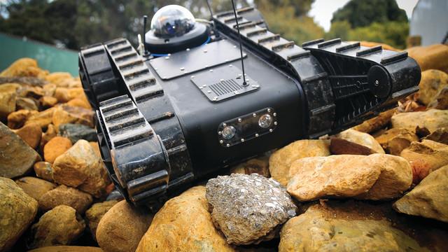 robotexbrochurepicture42_10452245.psd