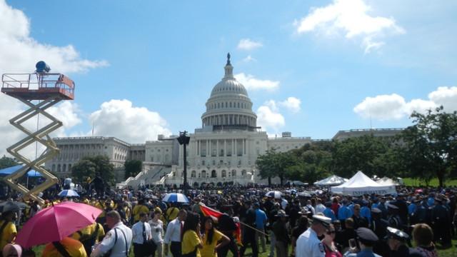 police-week-2012-crowd.JPG