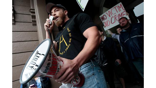 A Veteran From Viriginia Protests Massachusetts Swearing Policy .jpg_10735012.jpg