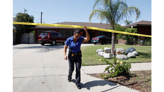 Investigators at Rodney King's Home Where He Was Found Dead.jpg_10730512.jpg