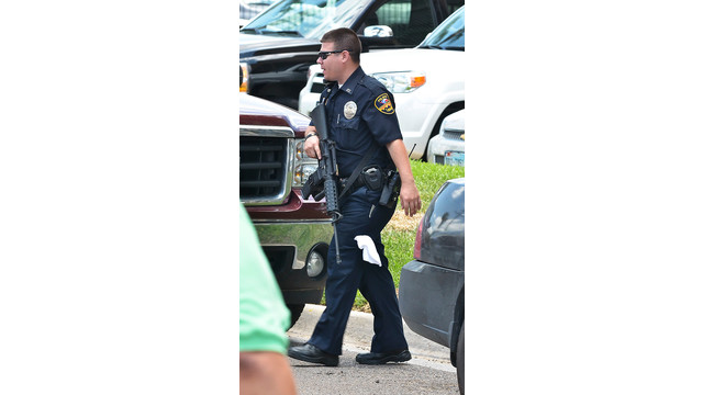 Laredo-police-Holiday-Inn-Civic-Center-shooting.jpg_10732215.jpg