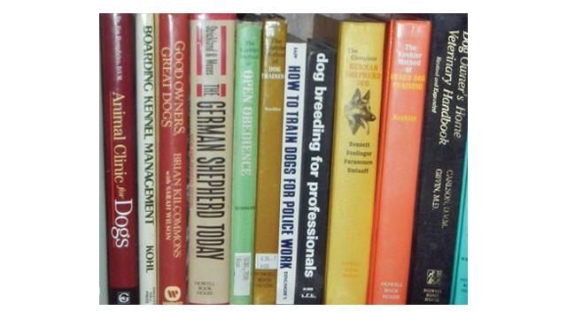canine-books_10732701.psd
