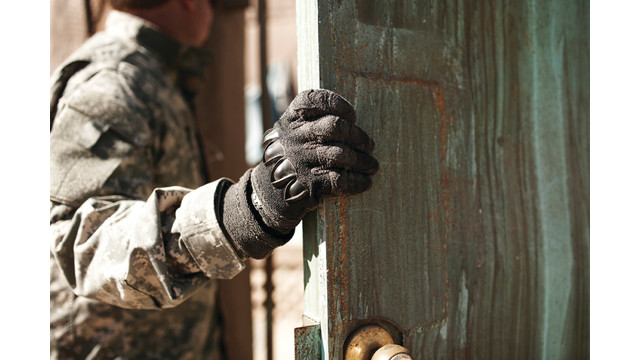 glove-door-300dpi_10726805.psd
