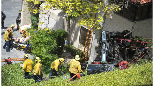 LA County Firefighter Rescue Suspect After Pursuit Crash.jpg_10740920.jpg