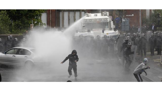 Northern-Ireland-Rioting-Hurts-Police.jpg