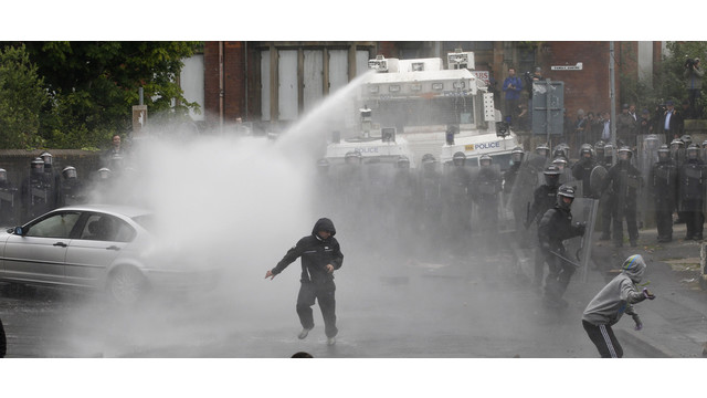 Northern-Ireland-Rioting-Hurts-Police.jpg
