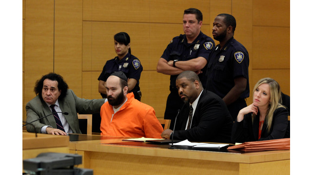 Levi Aron Sits In Court With His Lawyers.jpg_10758134.jpg