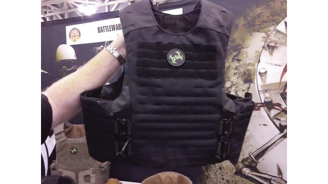 battleware-vest-feature_10757129.psd
