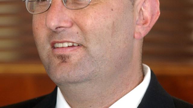 Alameda Mayoral candidate Kenneth Kahn is interviewed in Alameda, Calif. .jpg_10761376.jpg