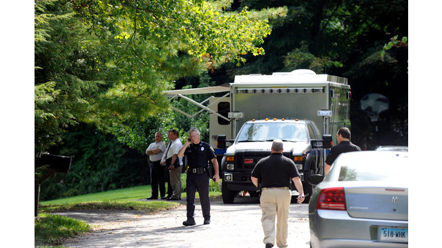 New Fairfield and state Police respond to the scene of a fatal shooting.jpg_10795942.jpg