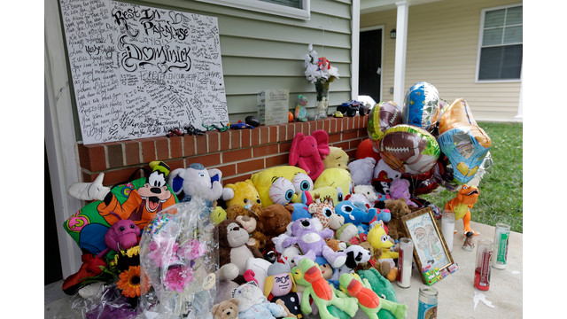 Makeshift Memorial for Slain N.J. Boy.jpg_10774027.jpg