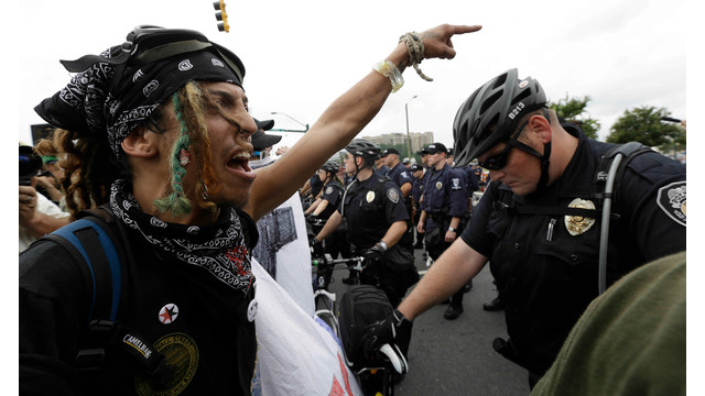 protesters clash with police in Charlotte, NC.jpg_10773771.jpg