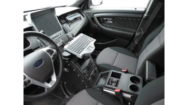 in-dash-design-ford-sedan_10831651.psd