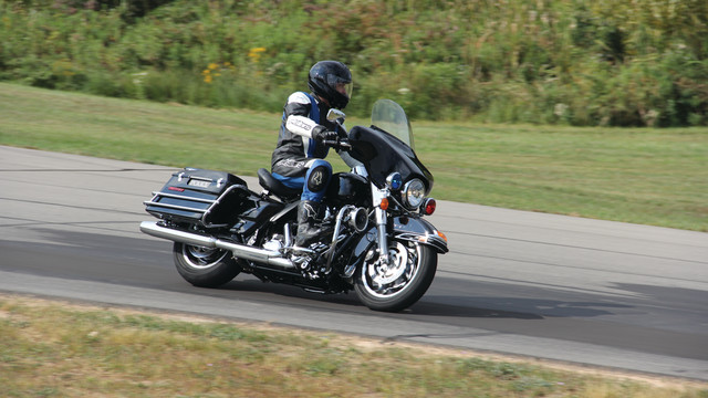 motorcycle-dynamics-images-141_10827050.psd