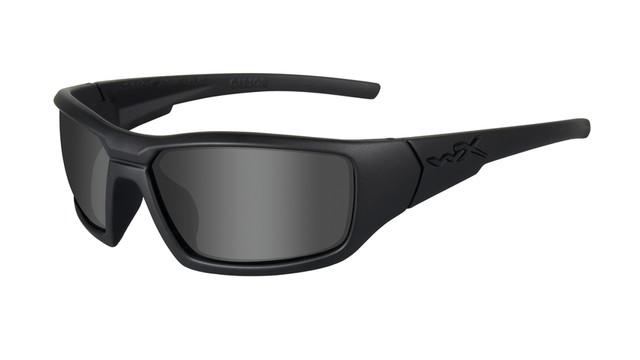 sunglasses-eye-wear-625-1hi-ce_10827718.psd