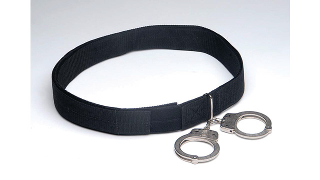 transport-belt-with-handcuffs-_10850407.psd