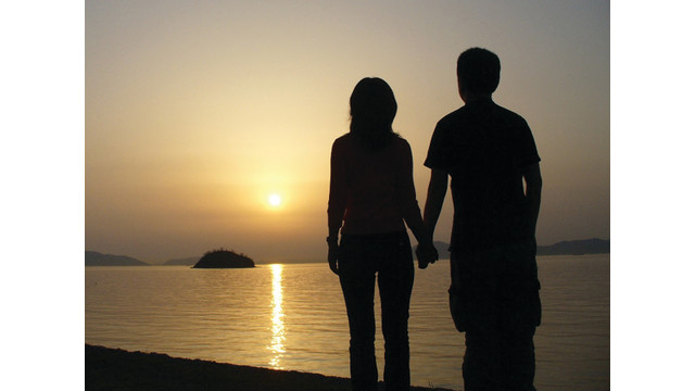 couple-sunset_10859764.psd