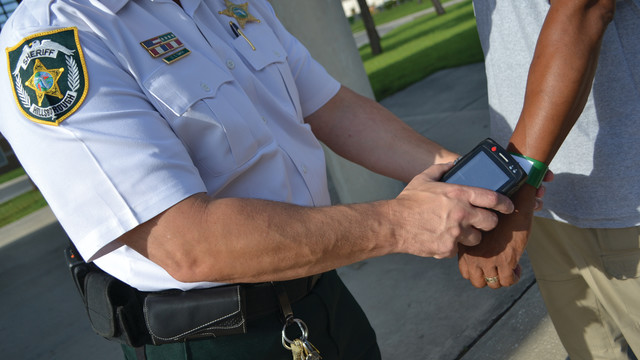 rfid-arrestee-mgmnt-sys-wristb_10862158.psd