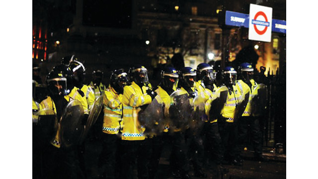 riots-alamy-tube_10858900.psd