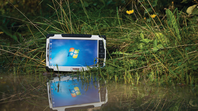 algiz-10x-rugged-tablet-ip65-w_10874328.psd