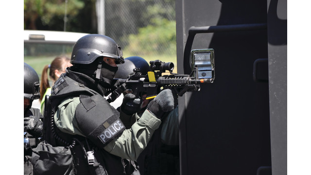 swat-wives-2011-009_10882184.psd