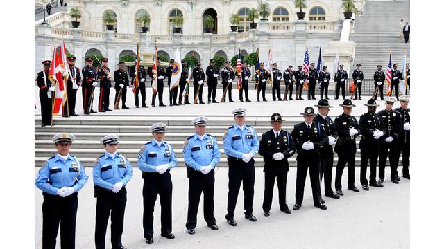 US-NEWS-OBAMA-POLICE-2-ABA.jpg