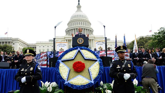 US-NEWS-OBAMA-POLICE-7-ABA.jpg