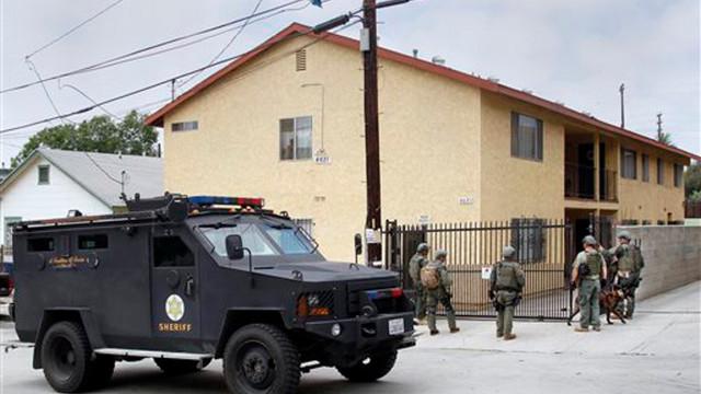 LAPDmanhunt2.jpg